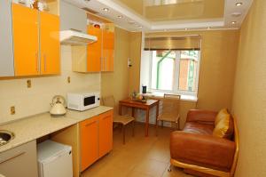 потолок на кухне натяжной фото, образцы