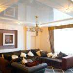 Потолок в гостиной — фото примеры лучших интерьеров