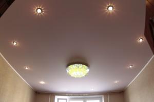 матовый потолок, виды натяжных потолков, фото