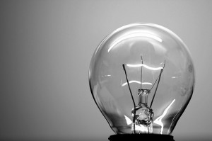 лампа накаливания, способы освещения интерьера, освещение потолка